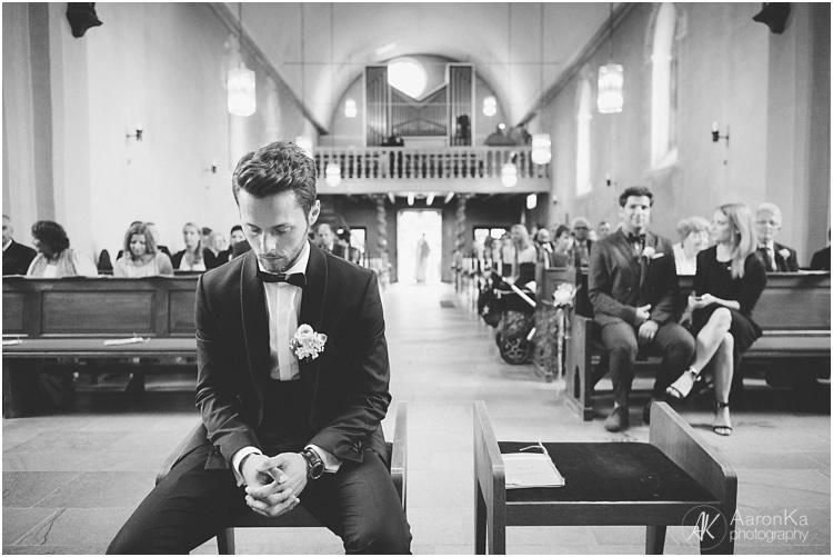 emotionaler einzug in die kirche hochzeit